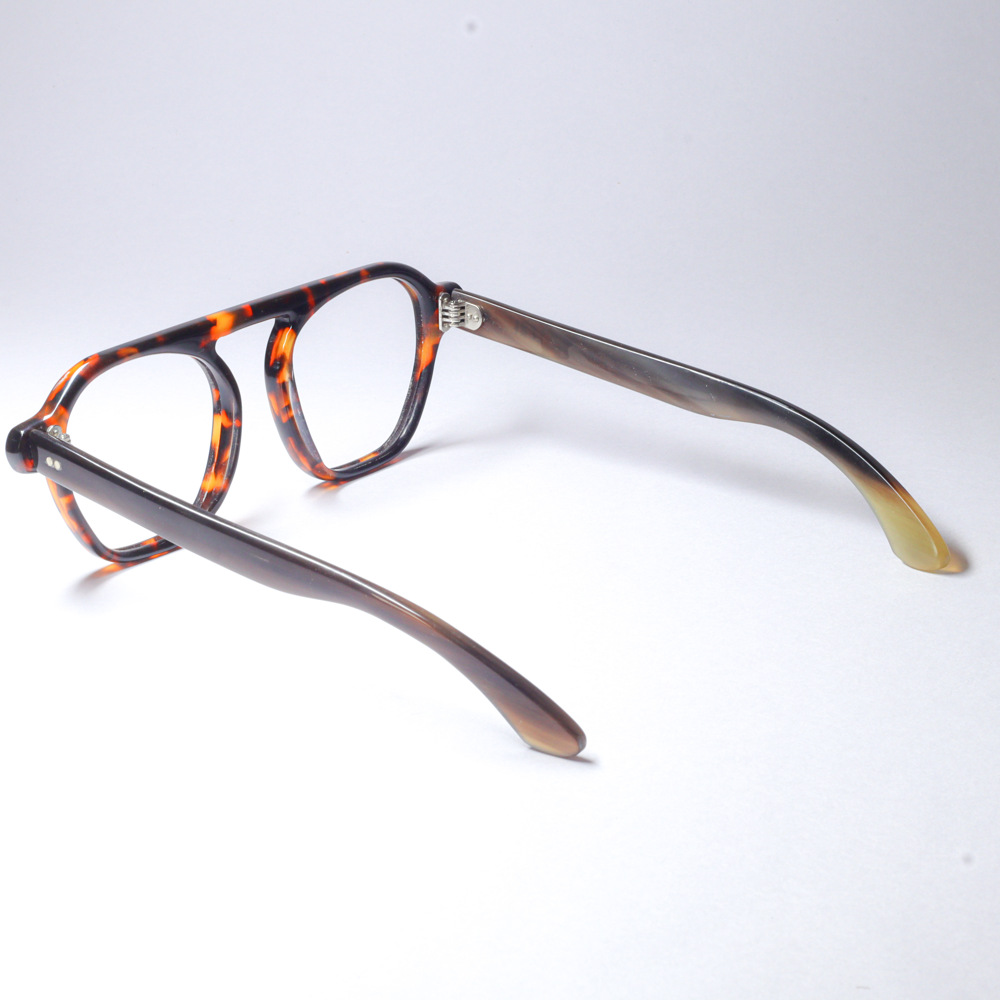 Kampen Tortoise Shell Brown Horn